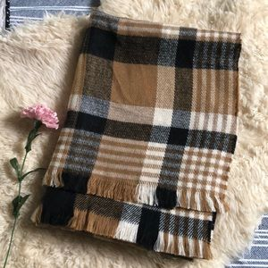 Plaid blanket scarf 🧣